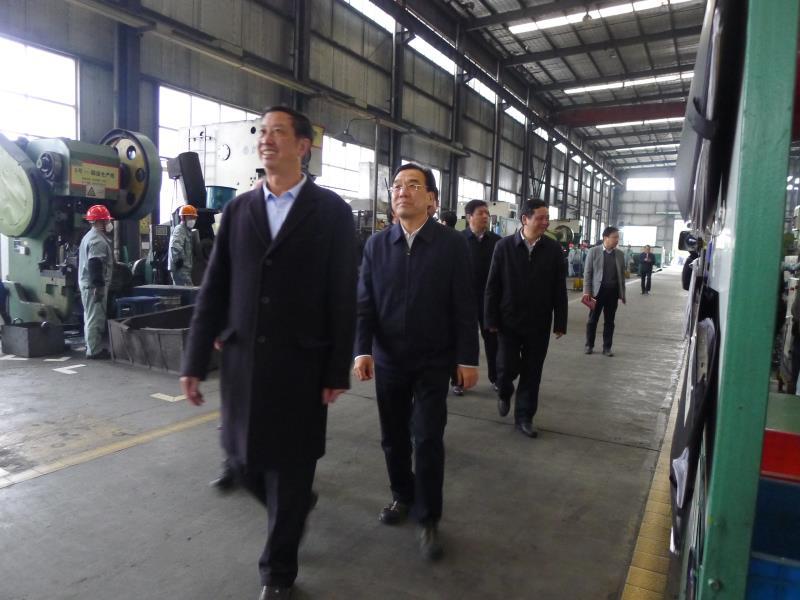 領導關愛:省委副書記信長星蒞臨公司現場考察指導